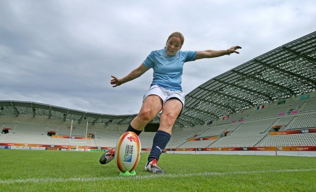 Niamh Briggs during kicking practice 12/8/2014