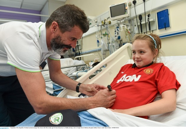 Republic of Ireland visit Temple Street Childrens Hospital