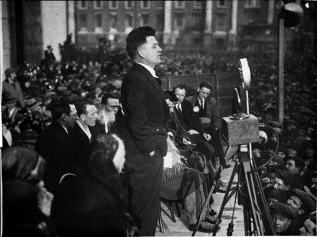 Frank Ryan addressing a public meeting in 1932