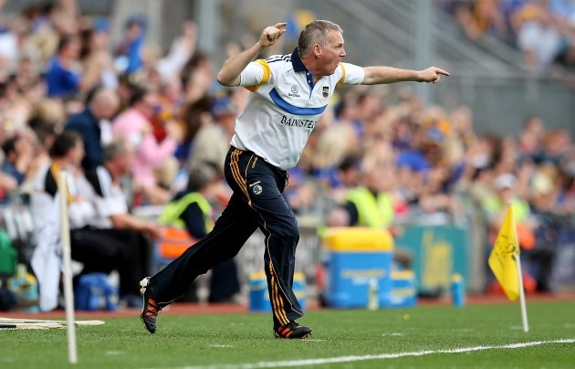 Eamon O'Shea encourages his players