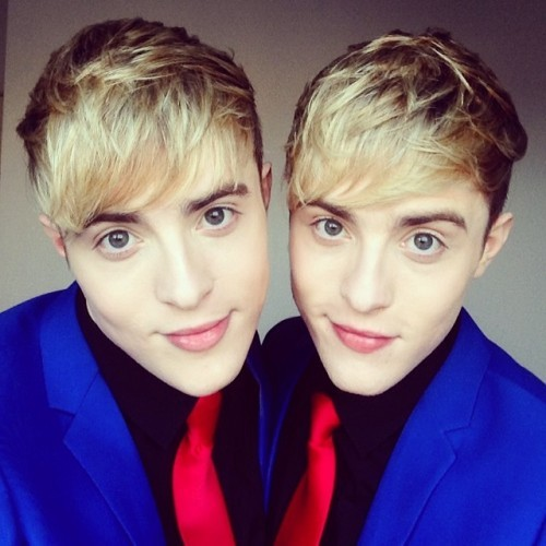 Waking Up in PlanetJedward is the coolest!