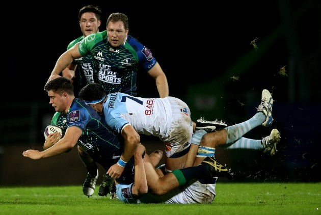 Dave Heffernan tackled by Baptiste Chouzenoux and Clement Ancely
