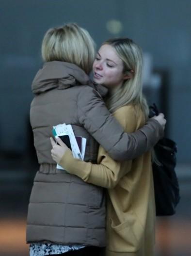 photos sad scenes at dublin airport as irish emigrants