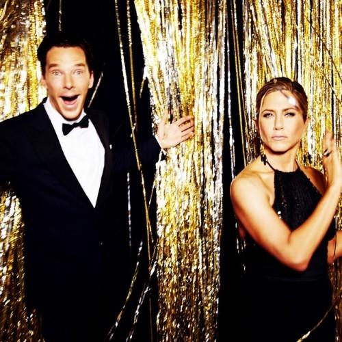 Benedict Cumberbatch and Jennifer Aniston at the 2015 #goldenglobes (Photo by @ellenvonunwerth)