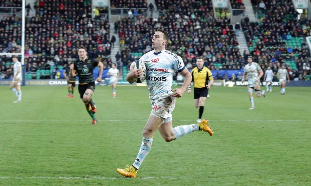 Juan Imhoff scores a try