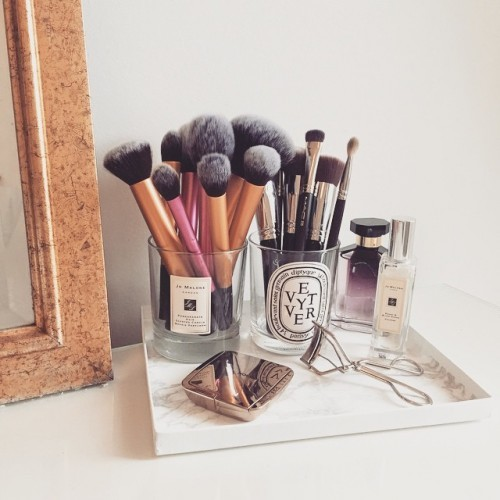 7 Storage Solutions That Ll Put Some Smacht On Your Makeup
