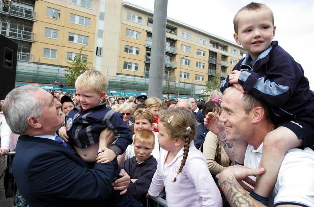 Taoiseach Bertie Ahern meets residents