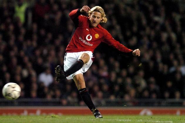 Soccer - FA Barclaycard Premiership - Manchester United v Aston Villa
