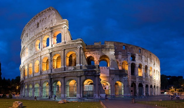 640px-Colosseum_in_Rome,_Italy_-_April_2007