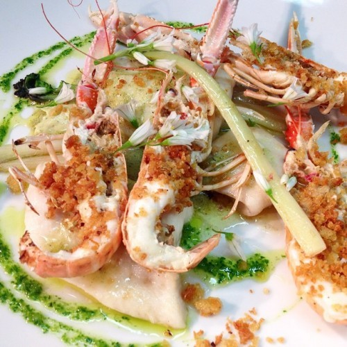 Ways with prawns... With tarragon, roasted garlic, sea kale and pangratatto. #seafood #feedfeed #irishlife #westcork #wildatlanticway #deasys