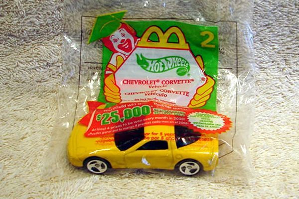awesome-fast-food-toys-from-the-90s-1593687557-jul-22-2012-600x400