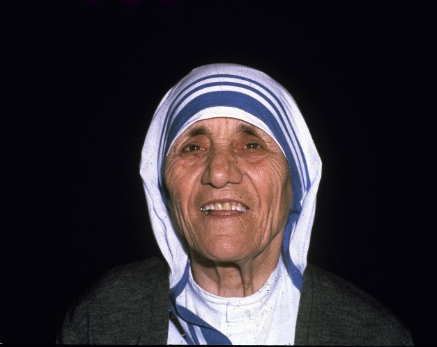 Mother position the teresa missionary