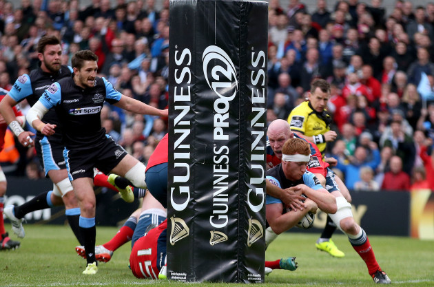Rob Harley scores a try