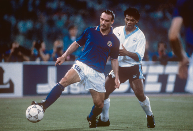 Soccer - World Cup Italia 90 - Second Round - Italy v Uruguay