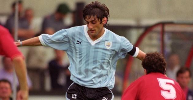 Soccer - FIFA World Cup Italia 90 - Group E - Uruguay v Spain - Stadio Friuli, Udine