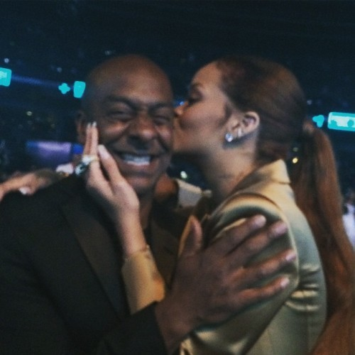 We kissed and made up. #BETAwards .