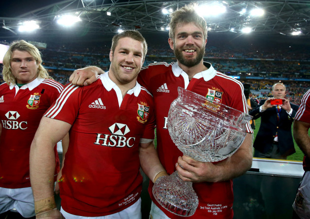 Sean O'Brien celebrates with Geoff Parling