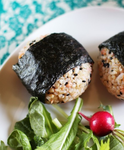 6 international recipe ideas for your next picnic thejournal onigiri rice balls forumfinder Images