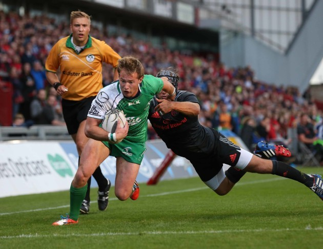 Kieran Marmion scores his second try