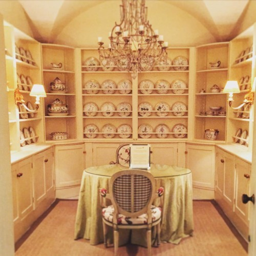 Oh my! Filing this under #dreamhouse! China room!