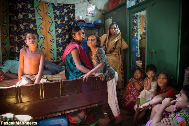 the-workers-and-their-families-often-live-in-tiny-rooms-situated-on-the-site-of-the-tannery-remarkably-they-often-manage-to-stay-smiling