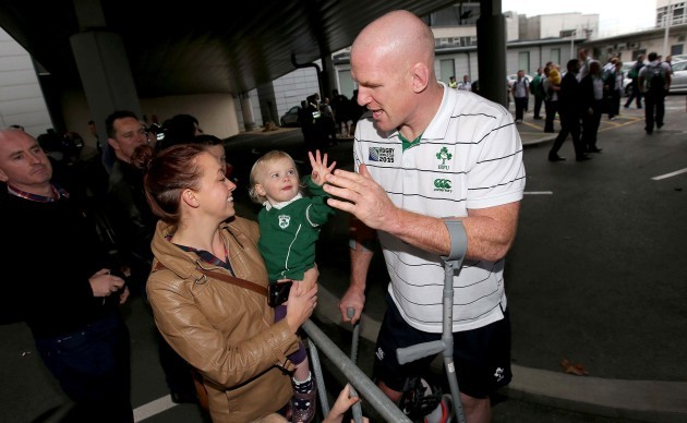 Paul O'Connell with a young Irish fan