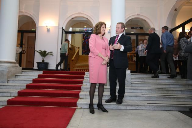 16/12/2015. Taoiseach Carol Singing. Pictured (LTO
