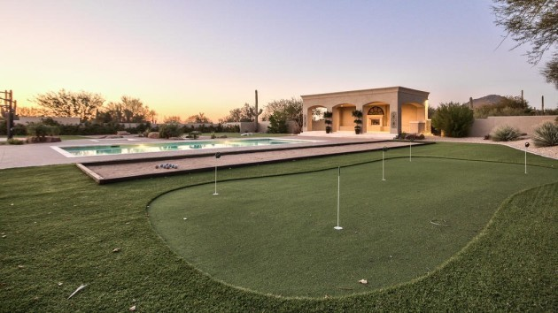 theres-even-a-putting-green-and-a-bocce-ball-court