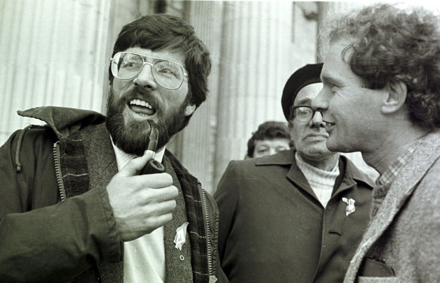 a-pipe-smoking-gerry-adams