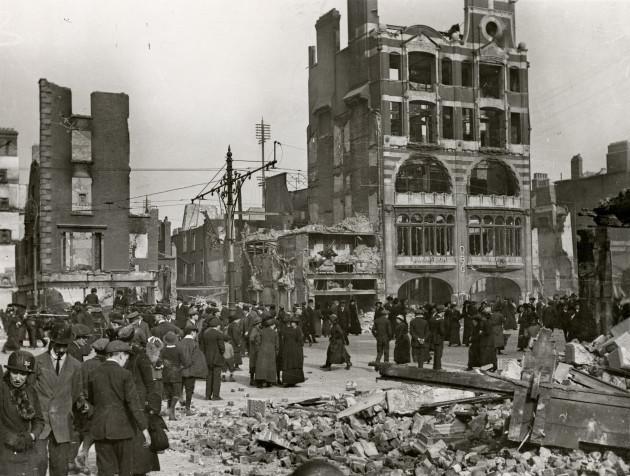 08_PressImage l Easter Rising l Sackville St ruins, 1916