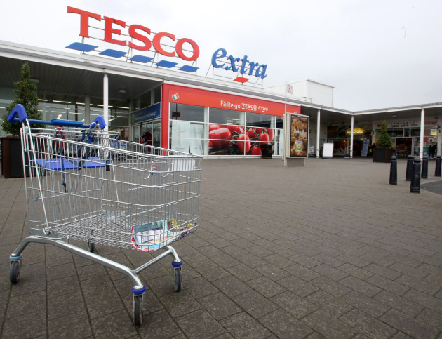 Tesco is looking to cut long term staffs wages in a big way solutioingenieria Choice Image