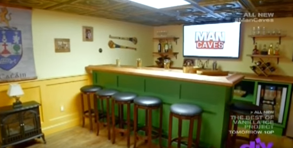 Man Cave Barber Dublin : This cork man got his dream hurling themed 'man cave' on a us home