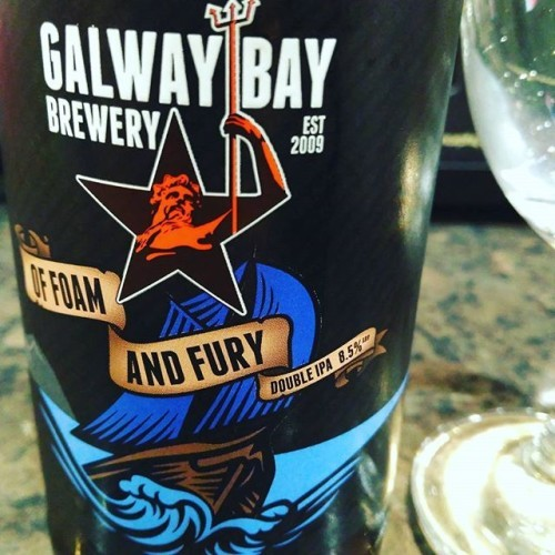 Of Foam and Fury Double IPA 8.5% 10/10 #galwaybaybrewery #offoamandfury #ireland #beersofinstagram #beerporn #doubleipa #galway #craftbeer