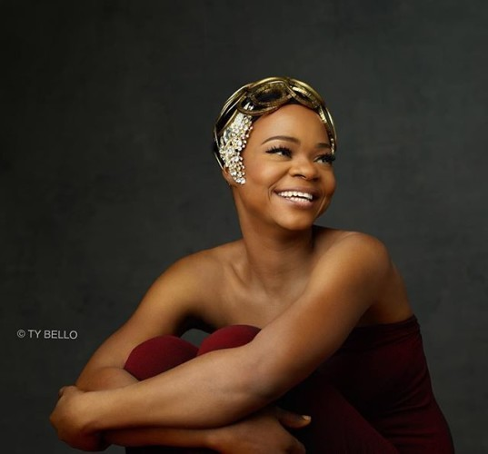 OLAJUMOKE ORISAGUNA : THE BEGINNING I've asked my self over and again why all of this is happening . One thing is clear .. This woman here is no charity case .. We met her in the middle of her hustle ... The woman works hard.. Seven days a week .. With a family to support .. But with dignity ..who pays that much attention to how she looks as she's about to hawk bread ... Arranging the bread so delicately like it was work much more .. Making sure she left the bakery while it was steamy and hot ... Every body likes their bread hot . .. All of this even when it's clear that her profit in a day is between N300-500 . This is the story of so many Nigerians .. The young house selling gala in traffic... The woman braiding hair under the bridge .. Nigerians work hard and we go it with style ... This has taught us and I hope everyone reading to pay a little attention ., to those clearly working hard around us .. You may have your own wahala to deal with .. But nothing gives you a bigger break from your troubles than just making life easier for someone else .. Give an orange seller a N1000 note and she may be able to take the next day off to attend to herself and her children . Jumoke is sorted ... I personally believe so with all the doors opening up for her but This story is more about the 'jumokes'around you . Who put in all the work but just need a little push .You may not be able to help every one but as I learnt from someone I really respect ... In your own unique way .... Do for the ONE what you would have liked to do for ALL. Jumoke ooo.. Wants to be a hairstylists but secretly nurses a fantasy to act in a Yoruba film one day .. I know she'll be a nollywood hit .. She did great in front of my camera and understood how to work the tiniest emotional nuances .She may not speak much English but can read and write in Yoruba...@kunleafo can you hear!!! So here she is our #olajumoke she can now be contacted and booked with @fewmodels . She's an amazing model . Wishing her all the best #makeupby @bimpeonakoya #zubbydefinition by @zubbydefinition #beautiful #lifemakeover #devine