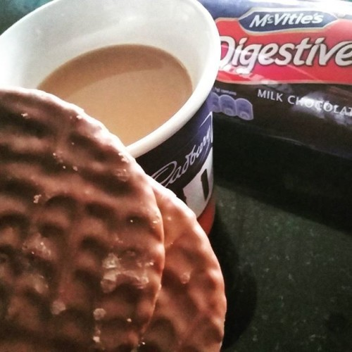 Sod it I'm having two! Apologies to all you lovely #cleaneaters out there ... need to get out of this bad habit of wanting a sweet snack & a cuppa at this time of day! #chocolatedigestives #needanalternative
