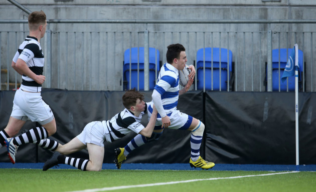 Ross Barron scores a try