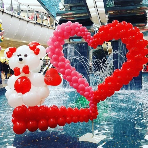 #blanchardstown #blanchshoppingcentre #dublin #valentines #valentinesdisplay #waterdisplay #creative #balloons #heart #love #teddy #cute