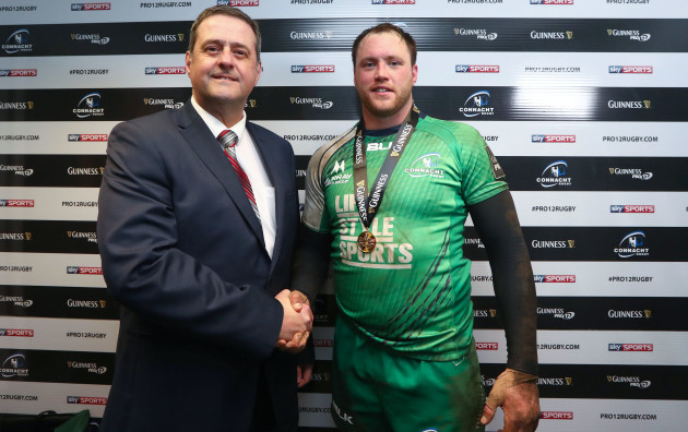 Eoin McKeon is presented with the Guinness Pro12 Man of the Match award from Gary Tierney