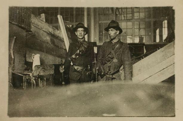 1916 2