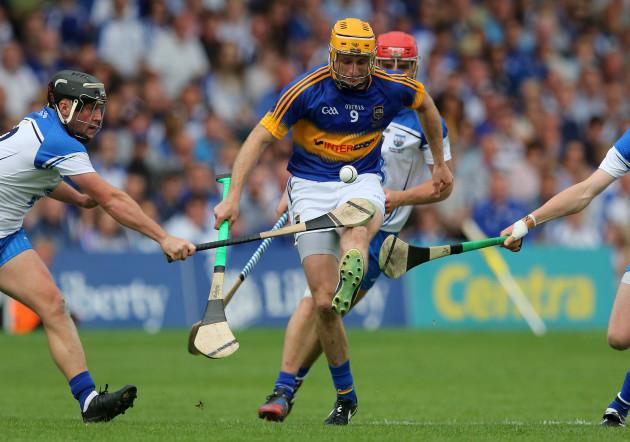 Shane McGrath kicks forward