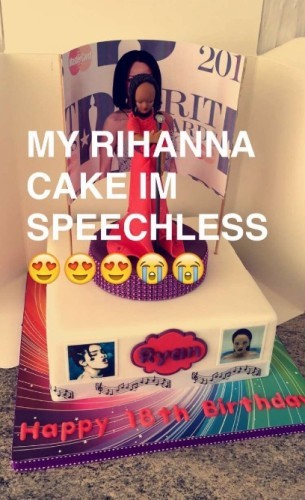 This girl got a Rihanna cake for her 18th birthday and it didnt
