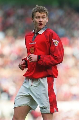 Soccer - Carling Premier League - Manchester United v Liverpool