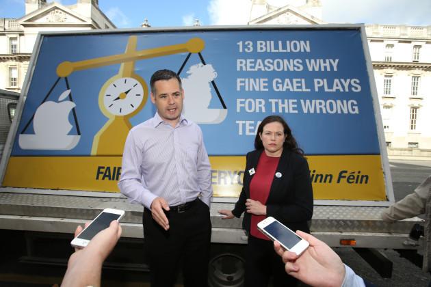 08/09/2016. Sinn Fein - Billboard - Apple Tax Ruli