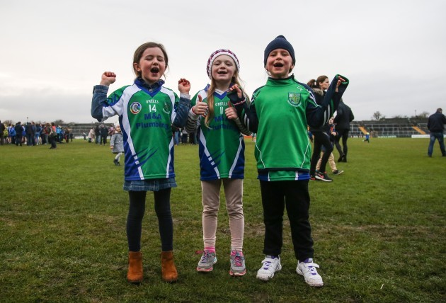 Robyn Hurley (aged 6) Caoimhe Farrell (aged 7) and Lotte  Nyheim (aged 7) celebrate after the game