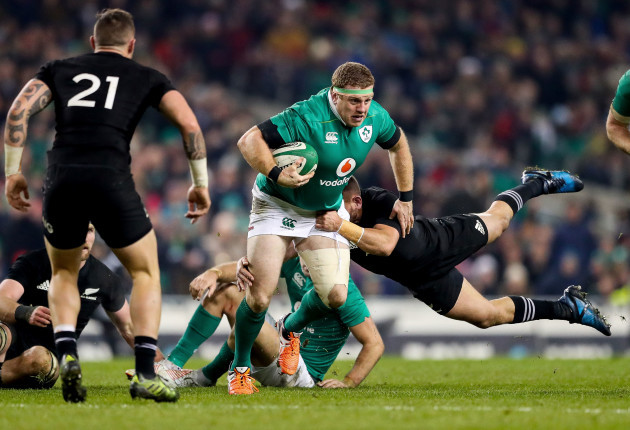 Sean Cronin tackled by Aaron Cruden