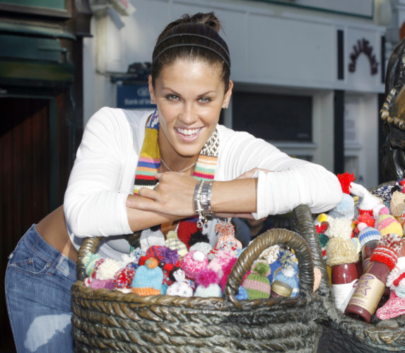 innocent Big Knit. Model Glenda Gilson launch innocent's Big Knit to help keep older people in Ireland warm this winter. Innocent, Topaz and Age Action are calling on people across Ireland to knit little woolly hats for The Big Knit