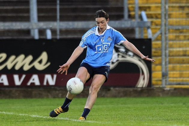 Sinead Aherne kicks the winning point
