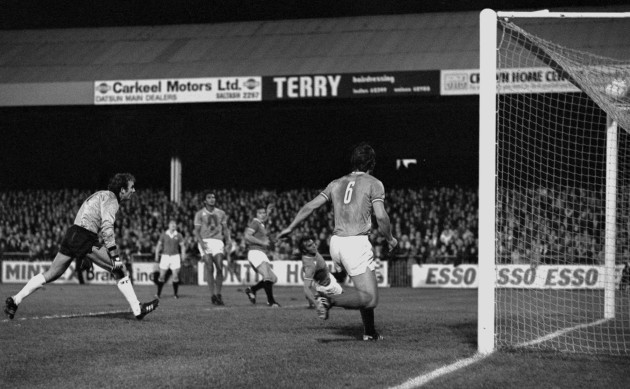 Ailing Pearson shoots United ahead.