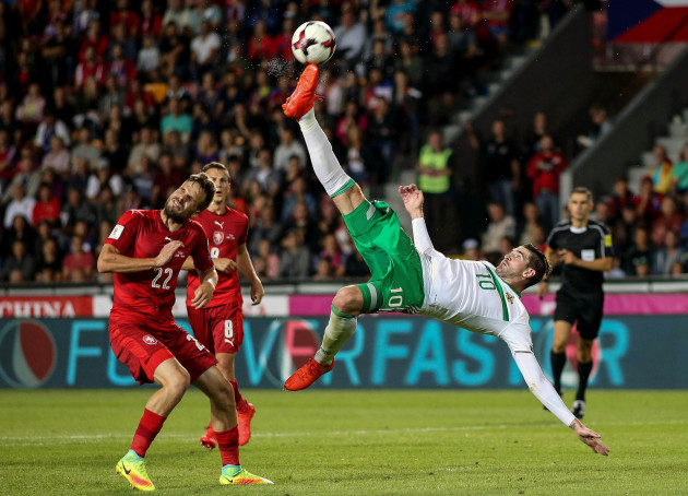 Kyle Lafferty attempts an overhead kick
