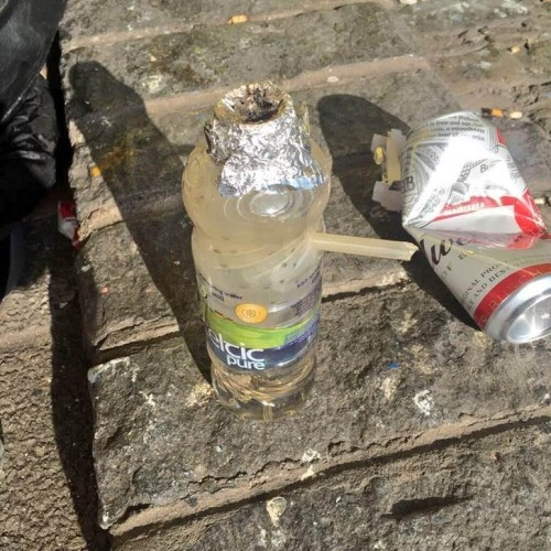 how to clean a crack pipe with alcohol